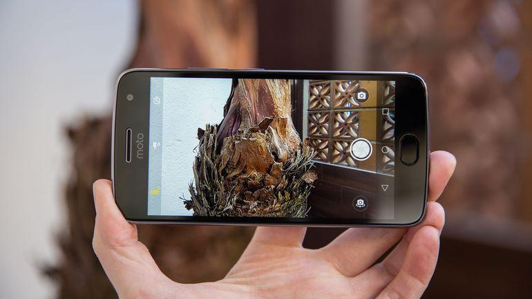 Full List Of Best Custom ROMs For Moto G5s Plus